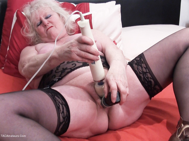 ClaireKnight - Claires Solo Playtime