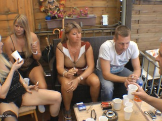 Sweet Susi - The Pee Party HD Video