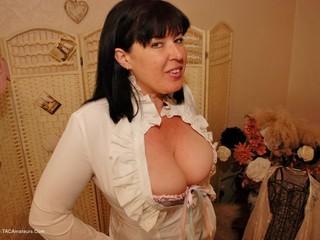 Juicey Janey - Big Boobs  Corset Pt1 Picture Gallery