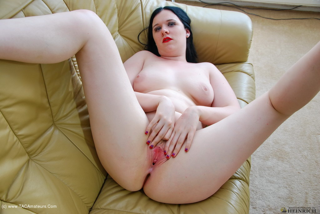 Small tit cum on her pussy