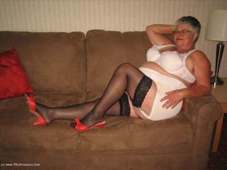 Girdle Goddess - Sexy Mamma Picture Gallery