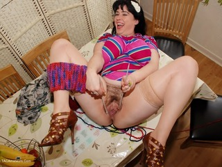 Juicey Janey - Knitting Pt2 Picture Gallery