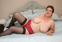 kinkycarol - On The Bed Free Pic 2