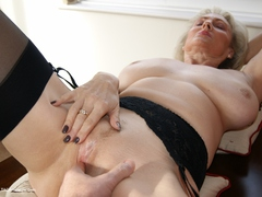 Sugarbabe - A Member Of My Site Plays With My Cunt Gallery