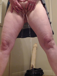 I love it when you are my toilet boy waitingfor me to take a pee. in this video you will be instructed on what to do.