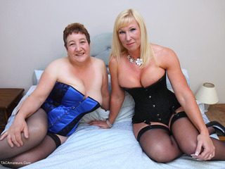Kinky Carol - Carols Lesbo Fun With Melody Pt1 Picture Gallery