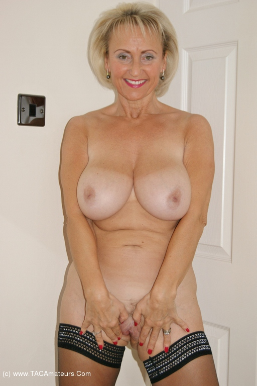 Sugarbabe - Make Me Cum On That Double Ended Dildo scene 1