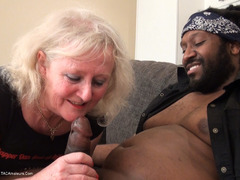 ClaireKnight - Claire Meets Roc Pt1 HD Video