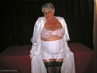 Girdle Goddess - Satin Kimono Picture Gallery