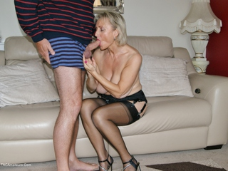 Sugarbabe - Getting Ready For That Cock Picture Gallery