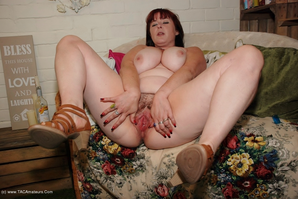 Horny yorkshire lass having a play - 3 1