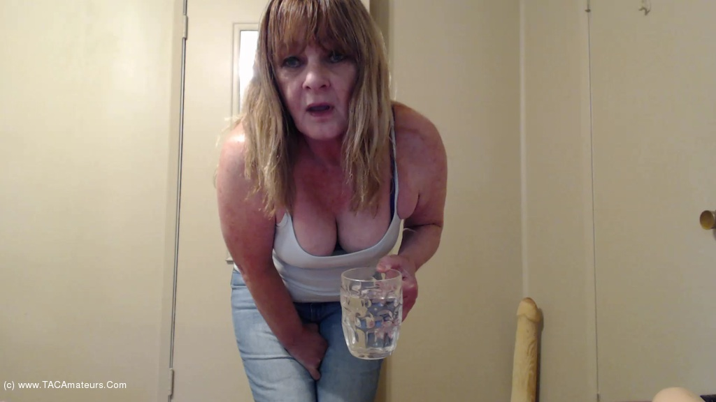 CougarBabeJolee - Desperate Jeans Wetting scene 0