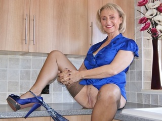 Sugarbabe - Cum Cum Cum Oh Yes Do It To Me Picture Gallery