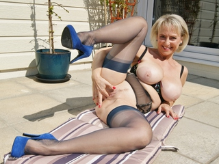 Sugarbabe - A Nice Black Cock Out In The Sun HD Video
