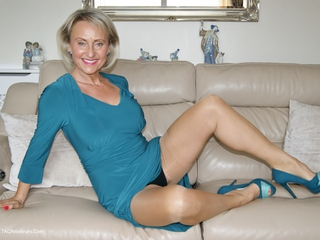 Video amateur mature exhib — img 4