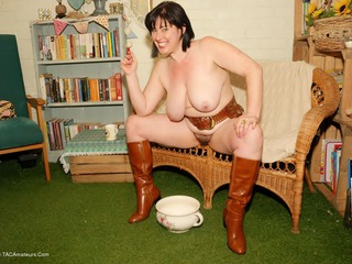 JuiceyJaney - Belts & Boots Pt2
