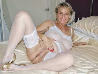 Sugarbabe - Fuck Me With Those Sex Toys HD Video