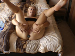 SweetSusi - Anal Plug Orgasm HD Video
