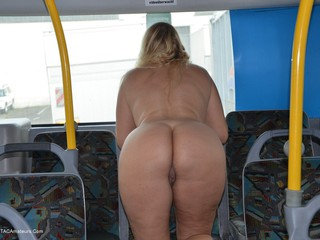 Sweet Susi - Naked On The Bus Picture Gallery