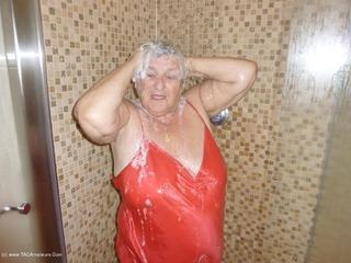 Shower Aztec