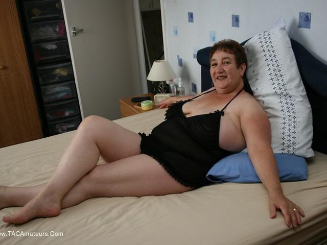 Amateur free nude wife