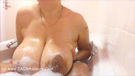 DeniseDavies - Bath Time Pt1 scene 2