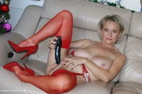 sugarbabe - Merry Christmas From A Very Dirty Michelle Free Pic 2
