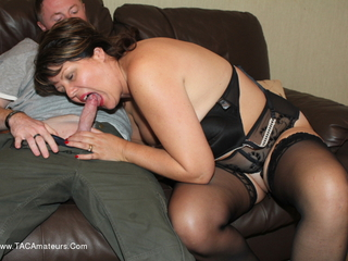 Sandy - Fun On The Sofa Pt2 Picture Gallery