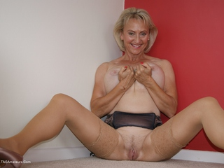 Sugarbabe - Shove Your Cock In To Me Picture Gallery
