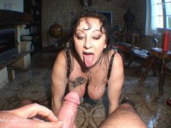 MaryBitch - Pissing & Deep Throat HD Video
