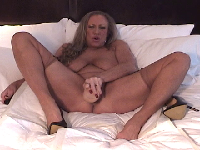 AwesomeAshley - Auntie Ashley Gets Intimate Pt4