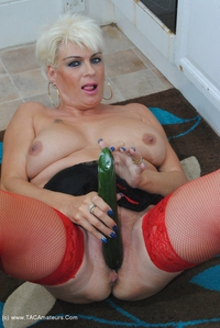 dimonty - Dimonty Fucks With A Banana & Cucumber Free Pic 3
