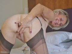 Sugarbabe - Go On. You Know You Want To HD Video