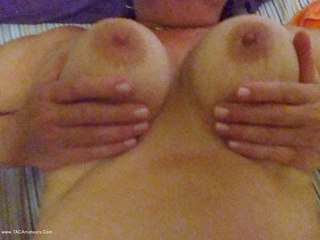 Cummy Tits
