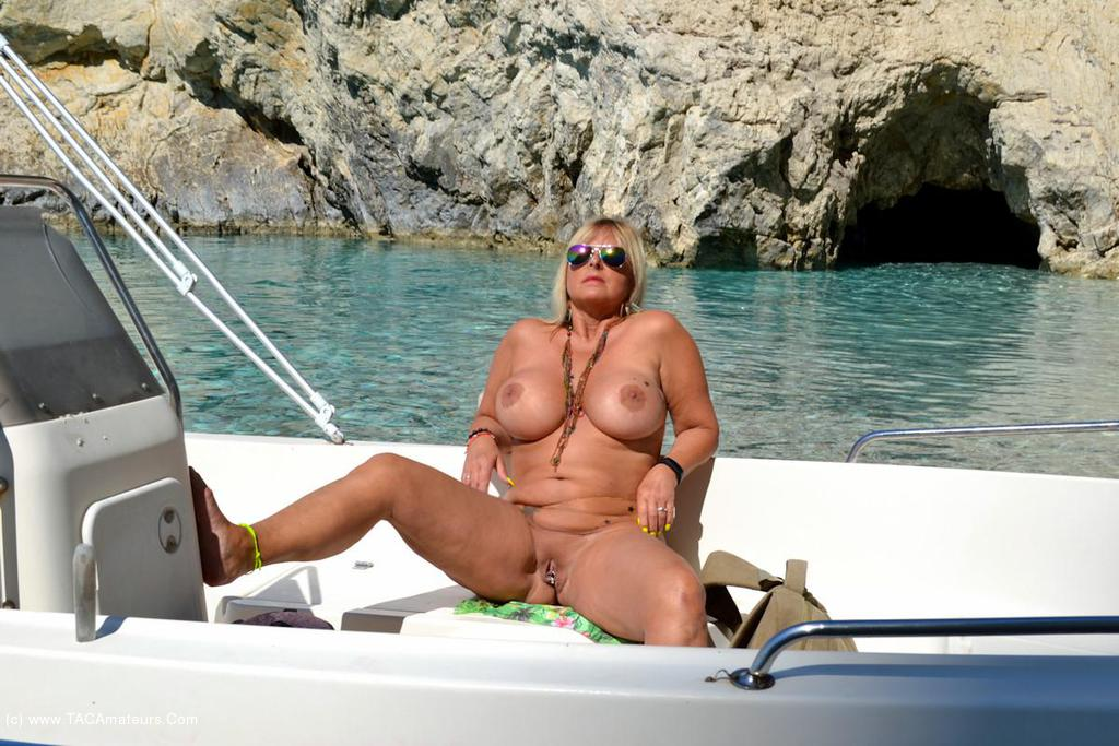 Apologise, Women nude on the boat stories