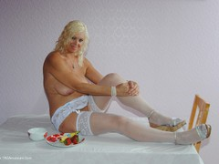 PlatinumBlonde - Banana Eating Gallery