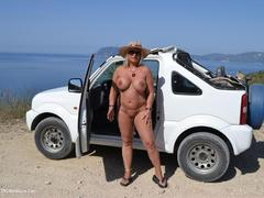 NudeChrissy - Zackynthos Nude Jeep Trip HD Video