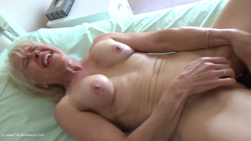 Amateur erin playing pt 2 9