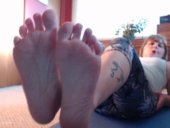 CougarBabeJolee - Foot Fetish For You HD Video