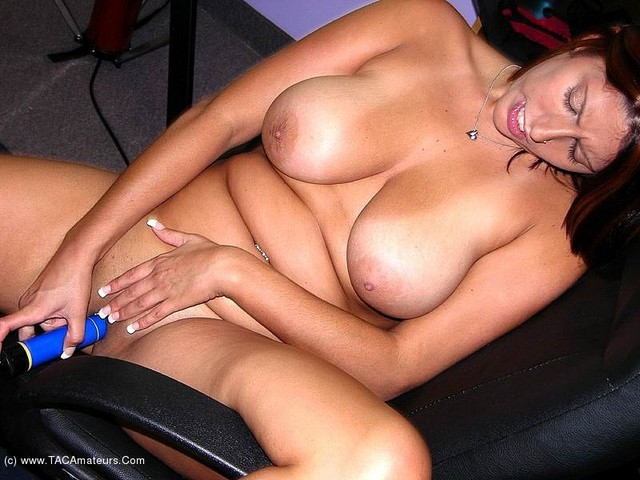 LavenderRayne - Toying my pussy in the office