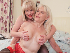 SpeedyBee - Dirty Lesbian Playtime Pt3 HD Video