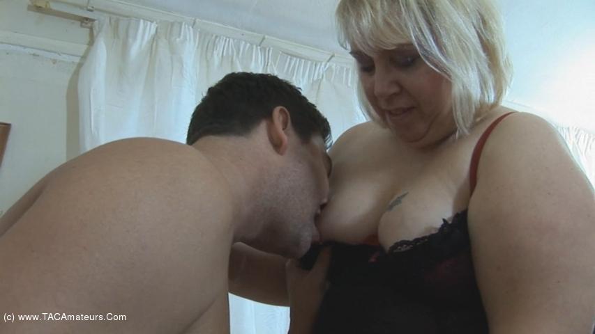 LexieCummings - Lexie Plays With Mr Sweede scene 2