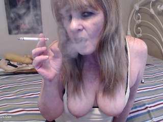 CougarBabeJolee - Black Lips Smoking MILF, Cum
