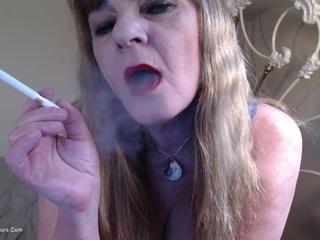 Red Lips Smoking Fetish