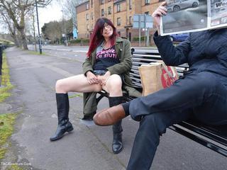 Barby Slut - Barbys Bristol Flash Picture Gallery