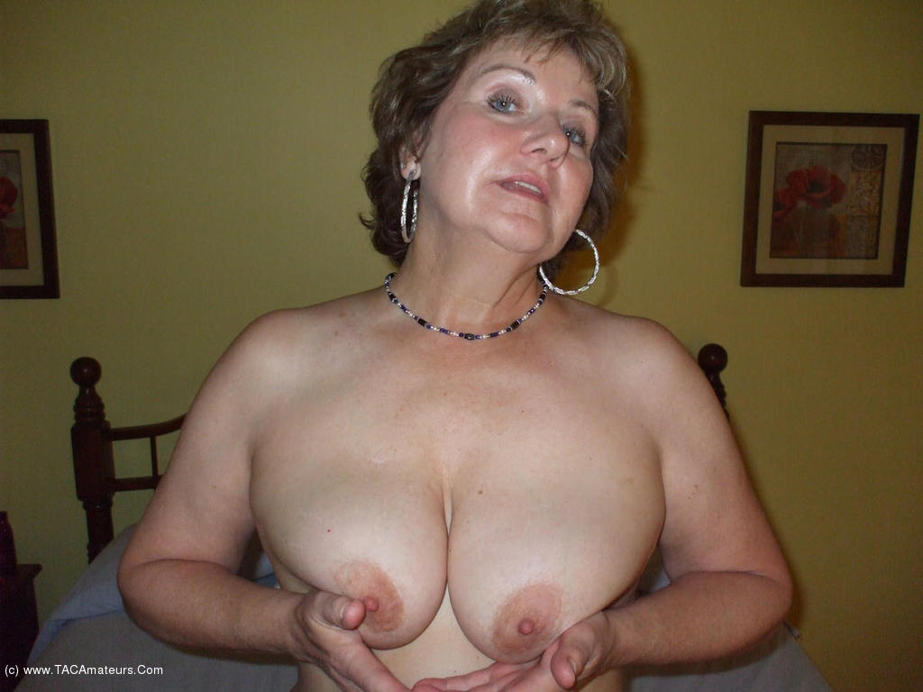 Showing Porn Images For Busty Bliss Mature Porn  Www -8510