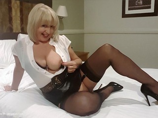 Sexy Forgetful Secretary