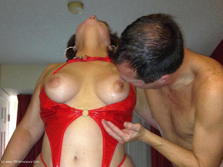 Hotel Fun - Red PVC & Bel