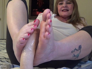 CougarBabeJolee - Your Cock Between My Feet