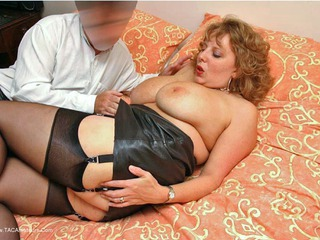 CurvyClaire - Leather Playtime Pt1